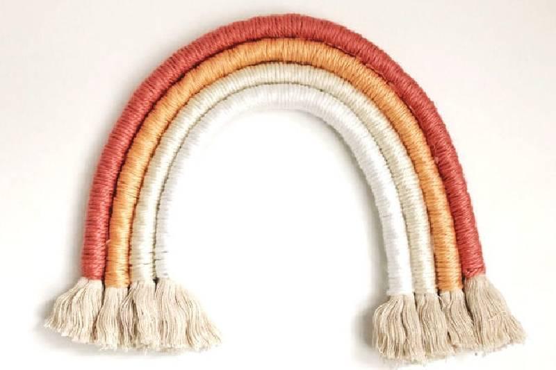 Arc-en-ciel en corde simple